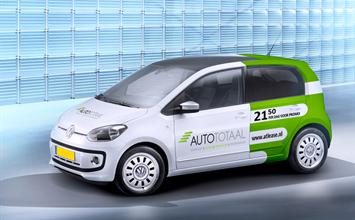 Auto-Totaal Autoverhuur Grootebroek - Auto Huren Compact met reclame